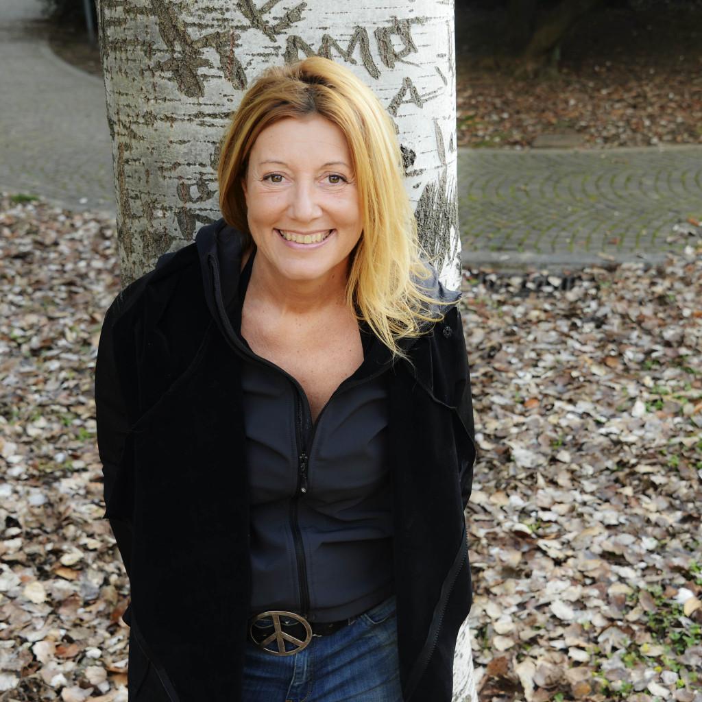 """""""Io cammino da sola"""", Alessandra Beltrame ospite della 34^ rassegna del Film di Montagna"""