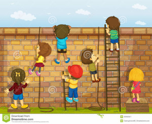 bambini-che-si-arrampicano-su-una-parete-26992057