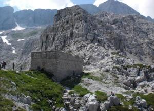 Casermetta-sella-Bila-PecMarco-Pascoli